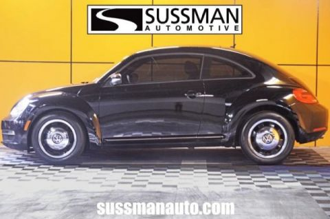 Pre-Owned 2012 Volkswagen Beetle 2.5L PZEV